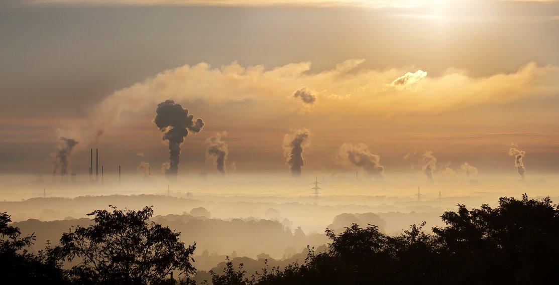 Kolencentrales en kerncentrales zijn juist erg vervuilend voor het milieu