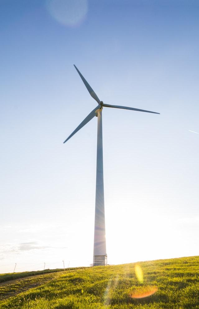 Windmolens zijn in Nederland een veelgebruikte manier om duurzame energie te produceren